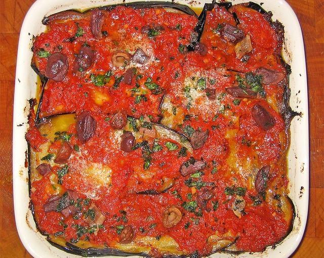 Włoskie potrawy i także krajowe mięso sezonowane