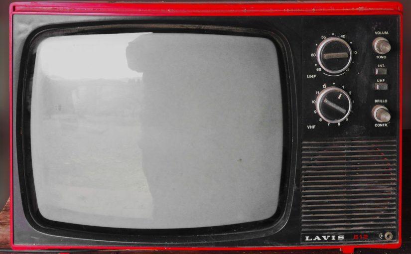 Wspólny spokój przed telewizorem, czy też niedzielne serialowe popołudnie, umila nam czas wolny ,a także pozwala się zrelaksować.